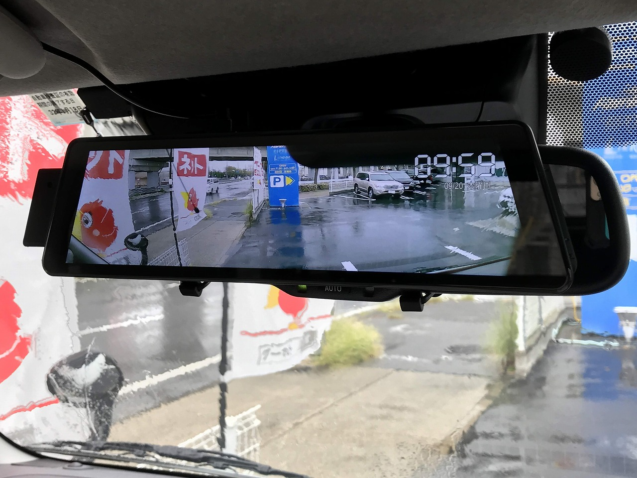 Japan hilux vehicle installed with smart streaming media with rearview mirror monitor and DVR dash camera